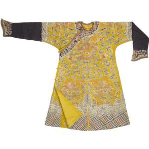 un túnico de bordado de seda imagen dragón